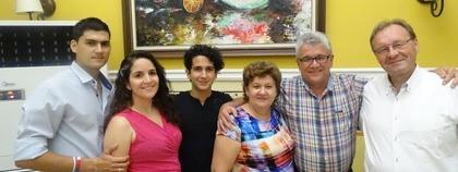 Afscheidsfoto met familie Hector Bermudez.